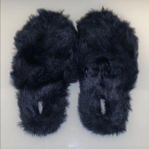 Aerie Fuzzy Fur Slides